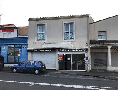 Local commercial 77 m² (restauration possible) à vendre à ANGOULEME